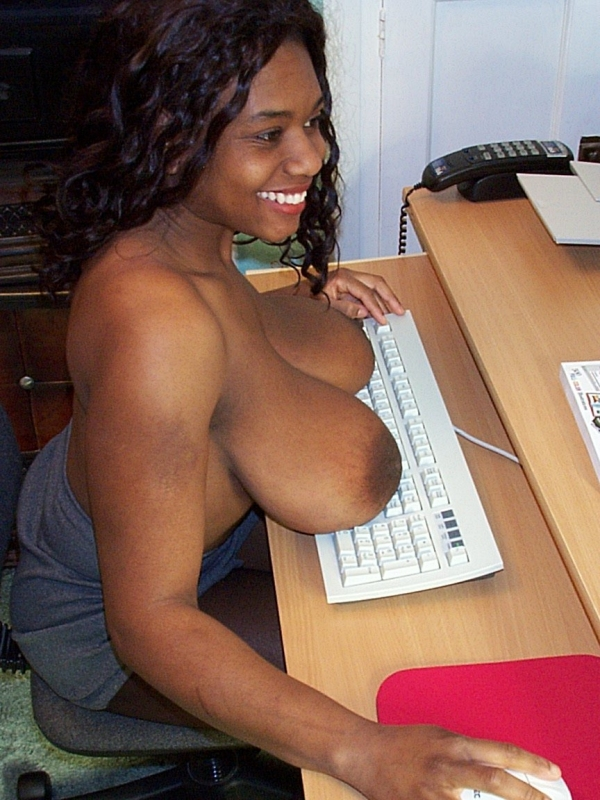 huge-saggy-black-breasts-the-biggest-boobs-ever-and-naked-girls